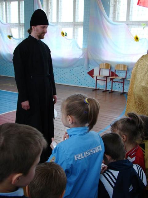 Диакон Димитрий Жуков в Некрасовском интернате