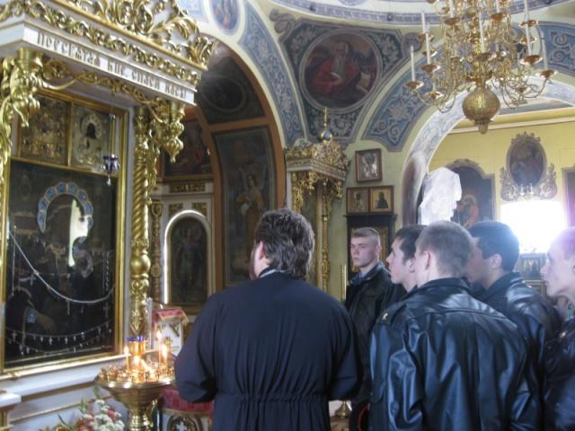 Курсанты в храме